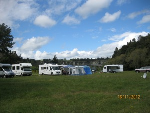 The Palmerston North Campervan Club settled into the Vinegar Hill camping ground near the spectacular cliffs of the Rangitikei River